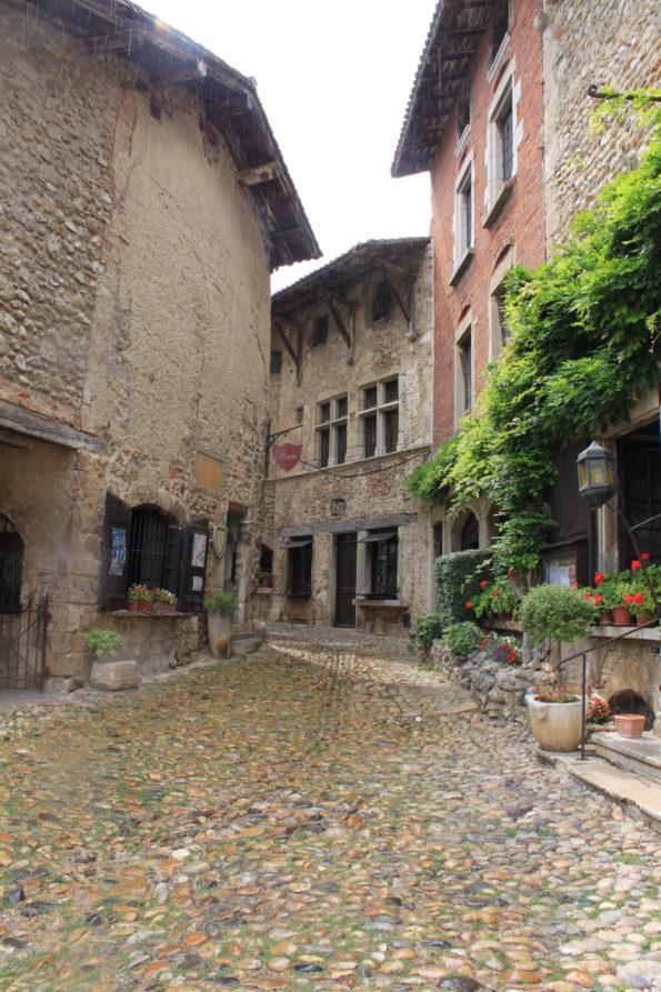 18e salon des vins et produits régionaux de Pérouges