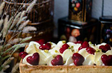 Tarte bio geranium framboise gelée en cœur, Pâtisseries Huiles Essentielles, Géranium Framboise